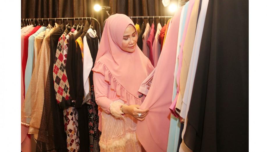 Arfiani, Menekuni Busana Muslim Syar'i dengan Brand Hurrem bu Fia