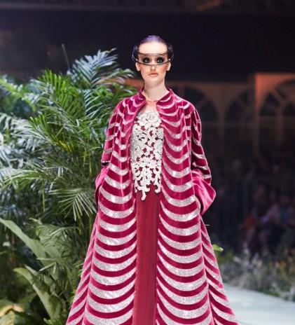 Gaya Art Deco & Arsitektural New York - Sebastian Gunawan Couture 2020
