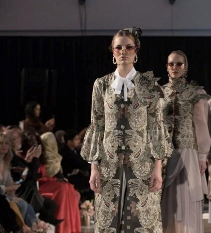 Karya Desainer Indonesia Memukau Amsterdam Modest Fashion Week 2019