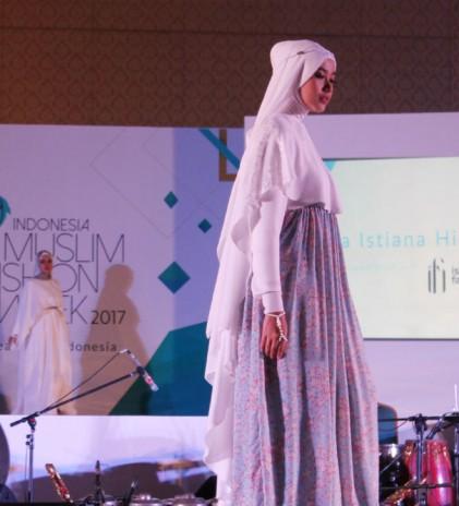 Keindahan Kain Kimono untuk Fashion Muslim Indonesia