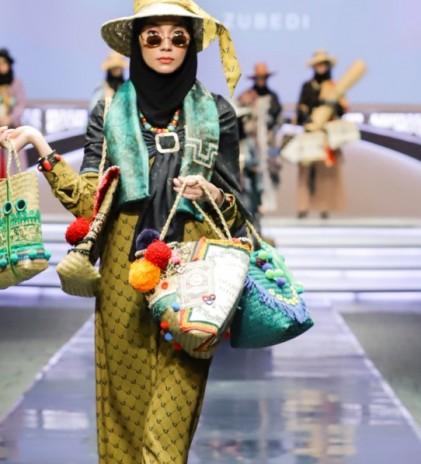 The Purun, Kreasi Tas Bergaya Bohemian Kolaborasi Vivi Zubedi & Pengrajin Banjarbaru