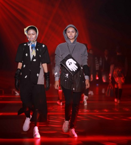 Totalitas Show Virtual Surabaya Fashion Parade 2020