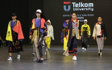 5 Sekolah Mode Peragakan Koleksi di 23 Fashion District