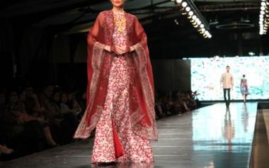 Alleira Mengeksplorasi Kekayaan Motif Batik Jawa dalam Show Tahunan 'Yavadvipa'