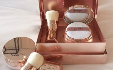 Bukan Hanya Skincare, Ini Rangkaian Produk Makeup Terbaru SamKim yang Mengandung Melatonin