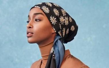 Hana Tajima untuk Uniqlo SS 2019, Netral dalam Earthy Tones, dan Tutorial Hijab yang Bisa Kita Contoh