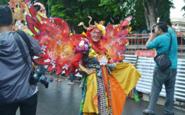 Karnaval Fashion Menutup Rangkaian Jogja Fashion Week 2016. Lihat Kostum Peserta Karnaval Disini!