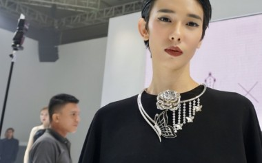 Kesempurnaan Kupu-Kupu, Paduan Fashion & Perhiasan Kolaborasi IPMI & Hartadinata Abadi