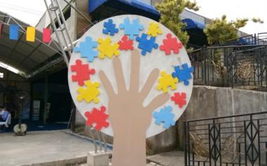 Mengembangkan Potensi dan Kemandirian Anak Autis