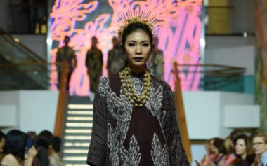 Motif New Art pada Batik untuk Koleksi Lebaran Alleira
