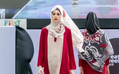 Presentasi Tren Ready-to-wear oleh desainer IFC Jakarta