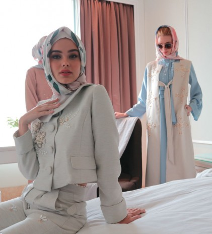 Check these Jackie O's Inspired Modest Collection from Majesté