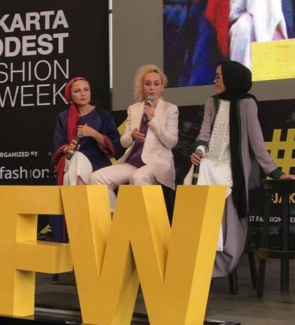 JMFW 2018, Mendatangkan 'Dunia' ke Lanskap Modest Fashion Indonesia