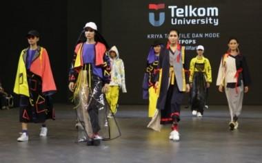 5 Sekolah Mode Peragakan Koleksi di 23 Fashion District