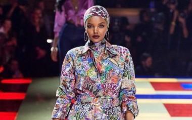 7 Model Berhijab di Paris Fashion Week 2019