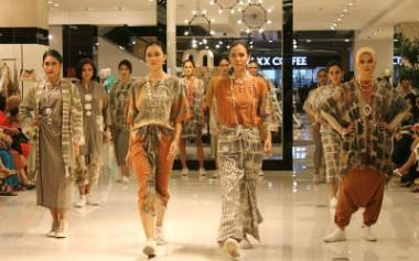 Batik & Tenun Yang Bergaya dari [bi], Jarit, Dru dan Carmel
