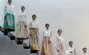 Pameran Fashion Peranakan dalam 'Tiga Negeri' oleh Tiga Desainer Indonesia