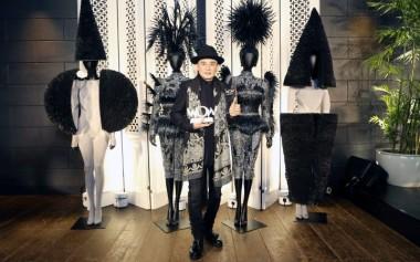 Rinaldy Yunardi Menjadi Pemenang Utama dalam Kompetisi 'Wearable Art' Dunia