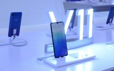 Vivo V11 Pro, Smartphone Dengan Screen Touch ID dan Kamera AI Menakjubkan